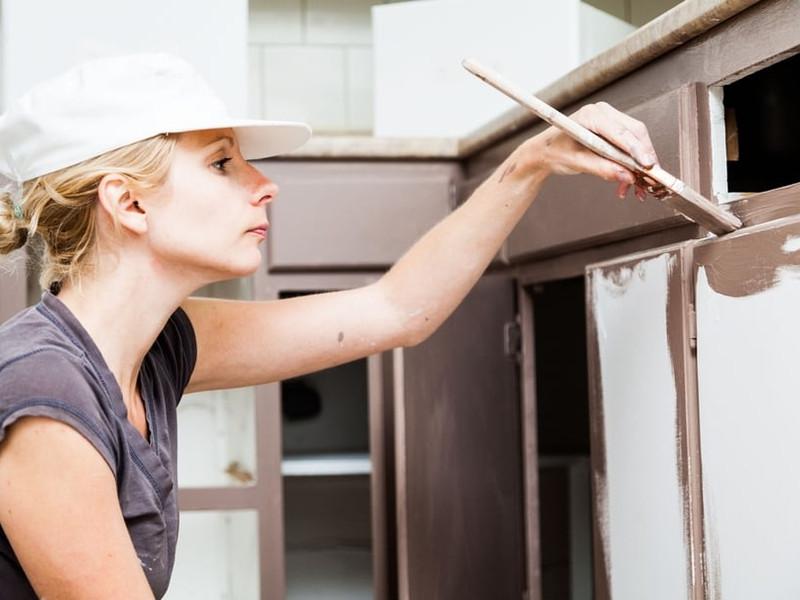 Comment peindre des meubles de cuisine