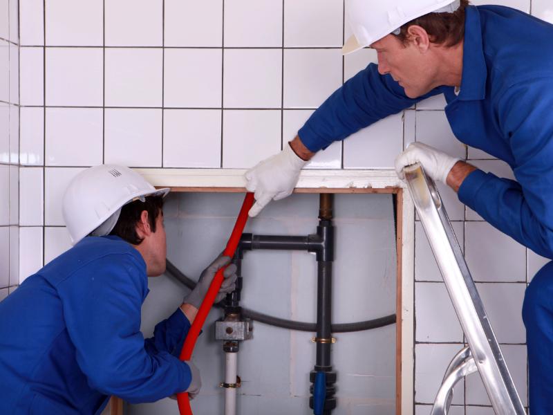 A la recherche d'un plombier compétent
